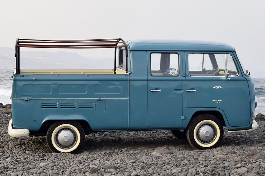 1971 Volkswagen transporter vehicle
