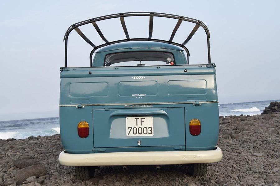 Volkswagen transporter back