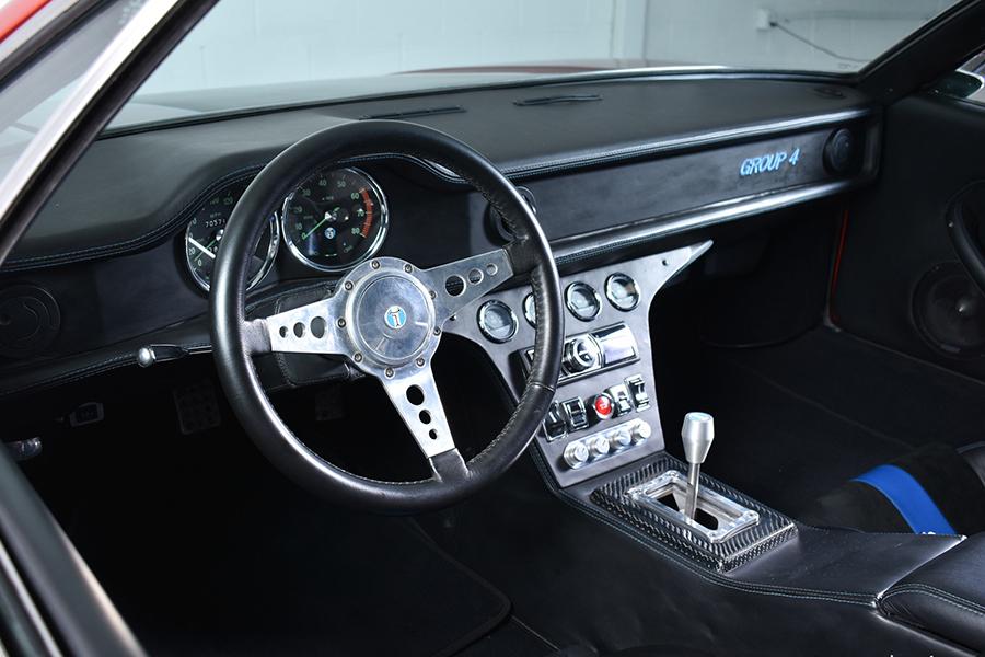 De Tomaso Pantera steering wheel