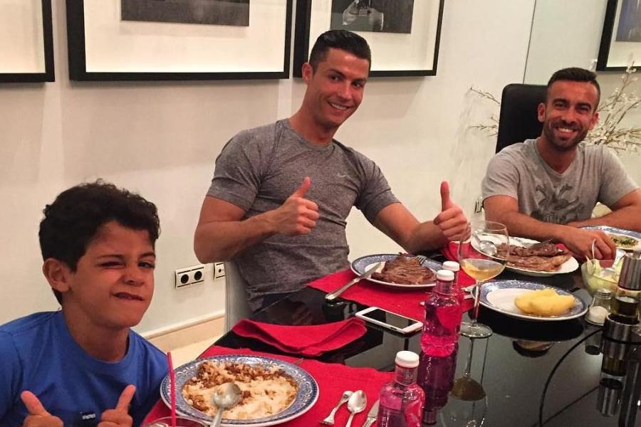 Cristiano Ronaldo S Football Diet Workout Plan Man Of Many