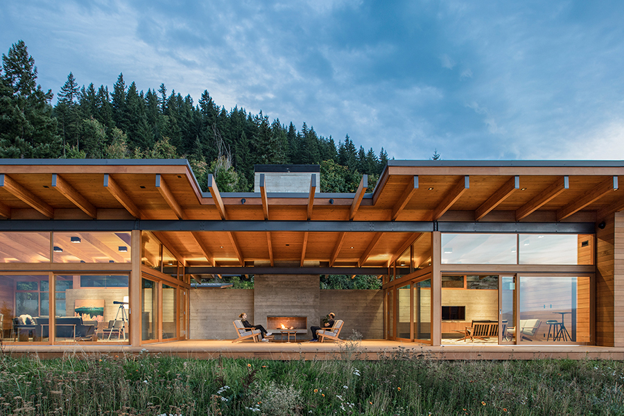 Hood River Residence Takes Full Advantage of the View