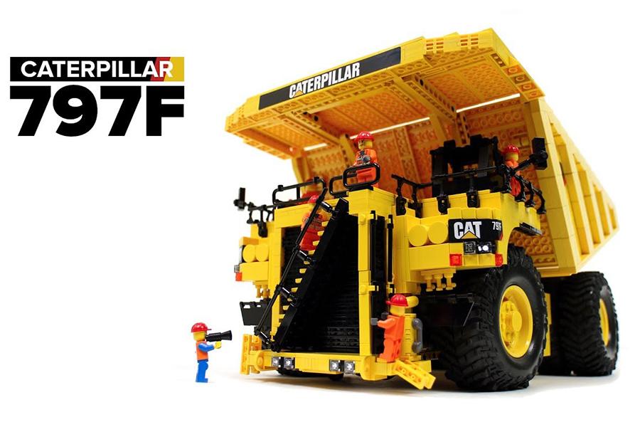 Caterpillar Dump Truck