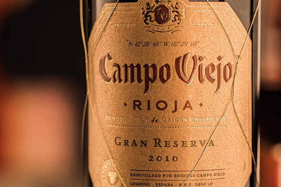 Closeup of theCampo Viejo Rioja sticker on a bottle