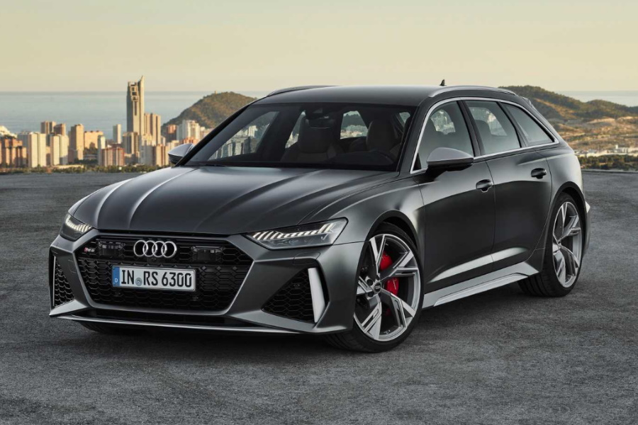 2020 V8 Audi RS6 front three quarter in motion
