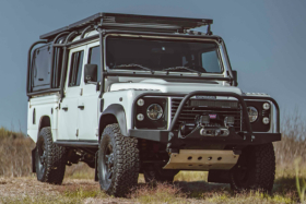 defender 130 expedition side view