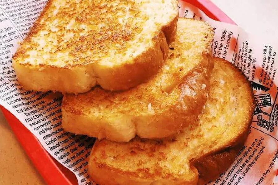 Sizzler Toasts