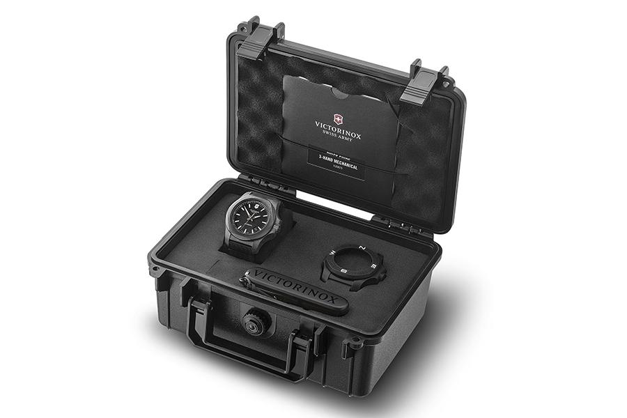 Victorinox I.N.O.X. Carbon Mechanical in box