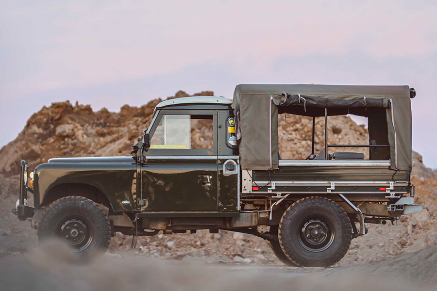 Land Rover Series II truck