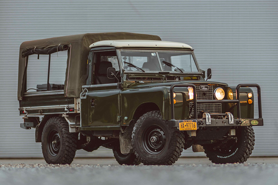 Land Rover Series II side view