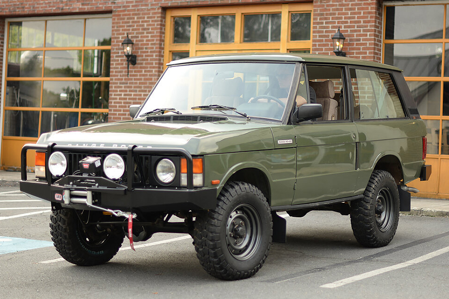land rover vehicle