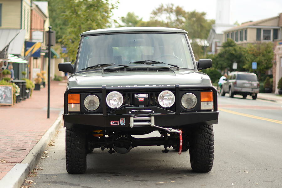 land rover vehicle front