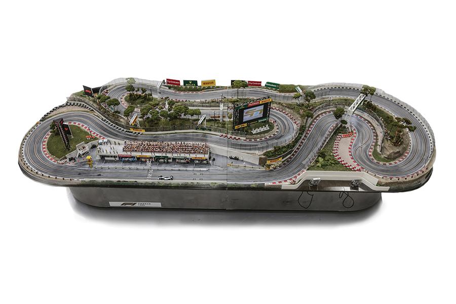 F1 Slot Car Track
