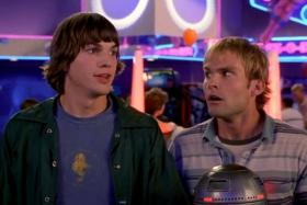 Ashton Kutcher and Sean William Scott inDude, Where's My Car?