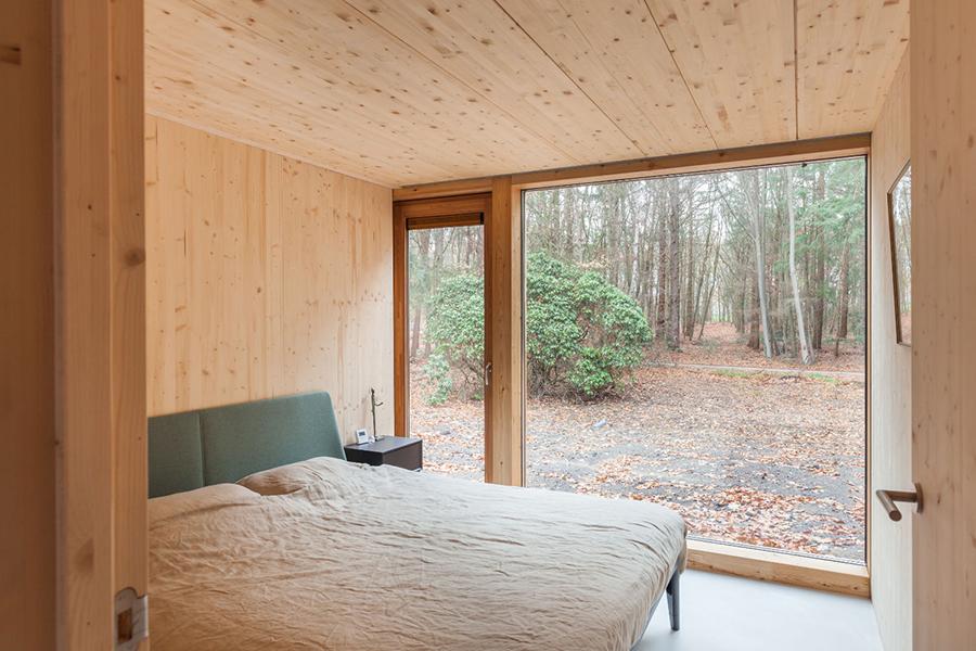 Indigo Cabin bedroom