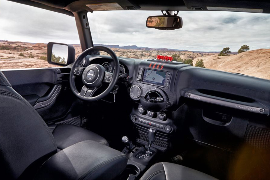 jeep creew chief concept dashboard and steering wheel