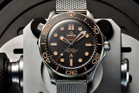 Dial ofOmega Seamaster Diver 300M 007 Edition watch