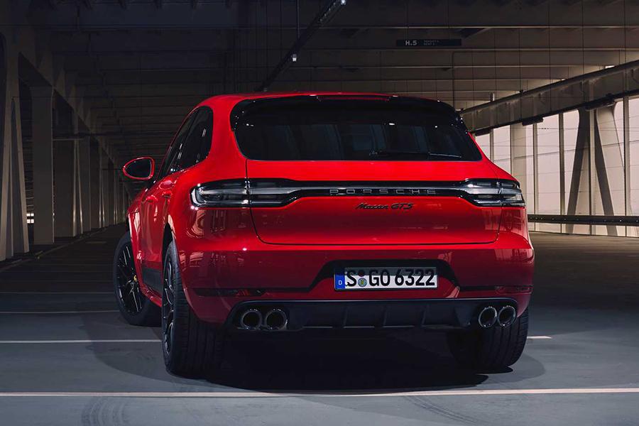 Porsche 2020 Macan GTS back view