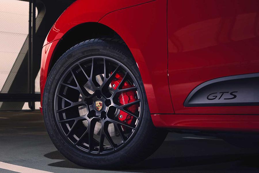 Porsche 2020 Macan GTS wheel