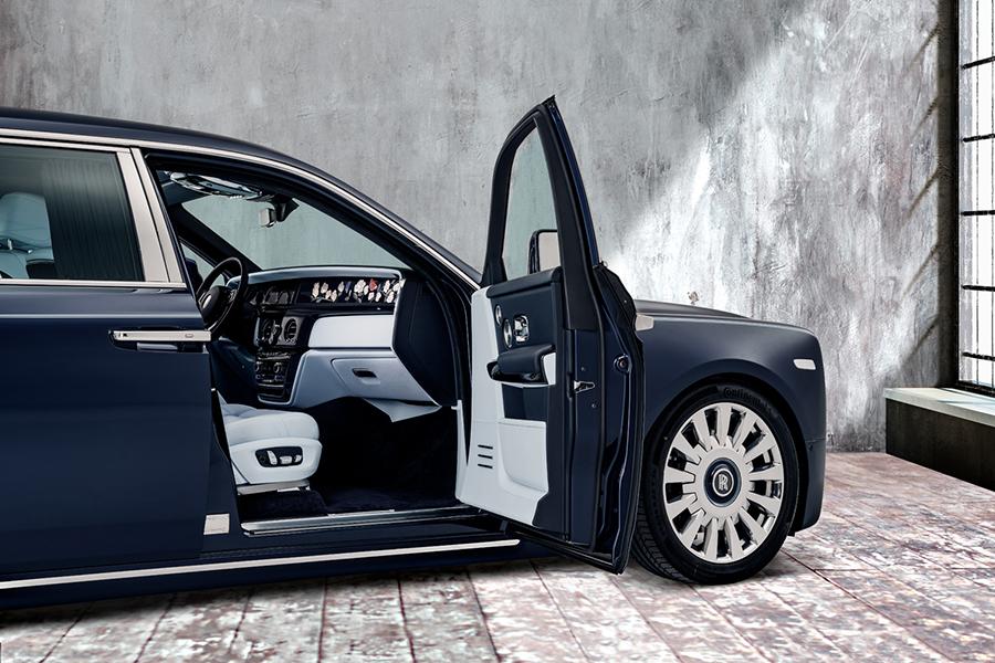 Rolls-Royce latest bespoke phantom features a million stitch interior