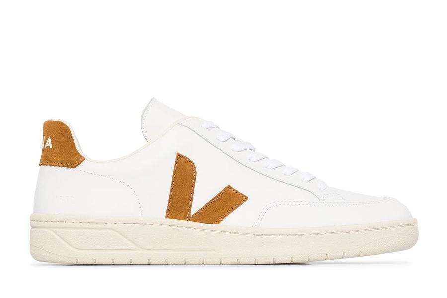 Veja V12 minimalist sneakers