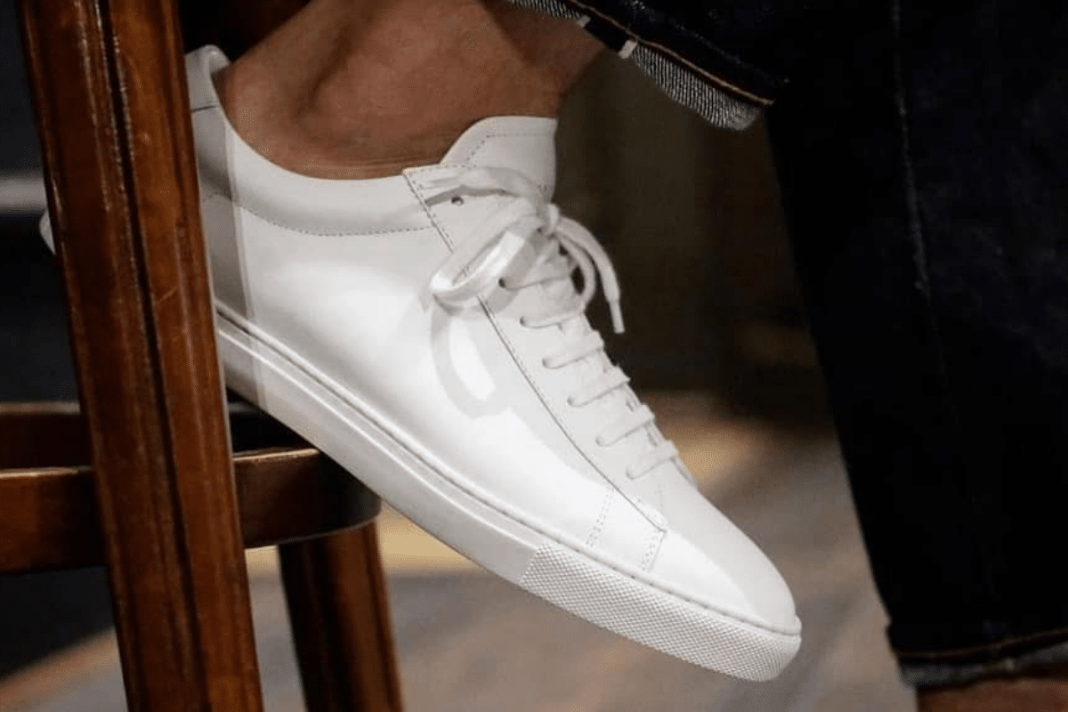Oliver cabell low 1 white on foot 1
