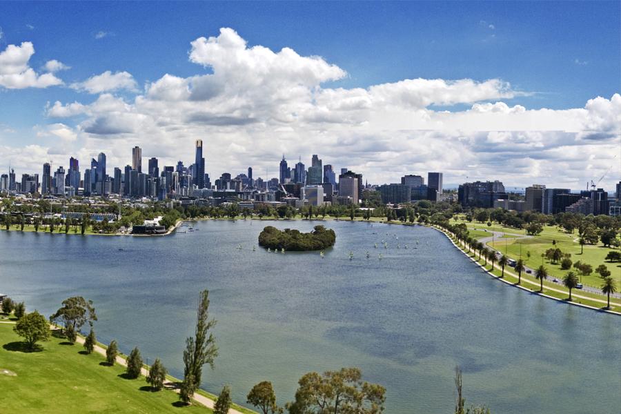 10 Best Fishing Spots in Melbourne & Victoria - Albert Park Lake 1