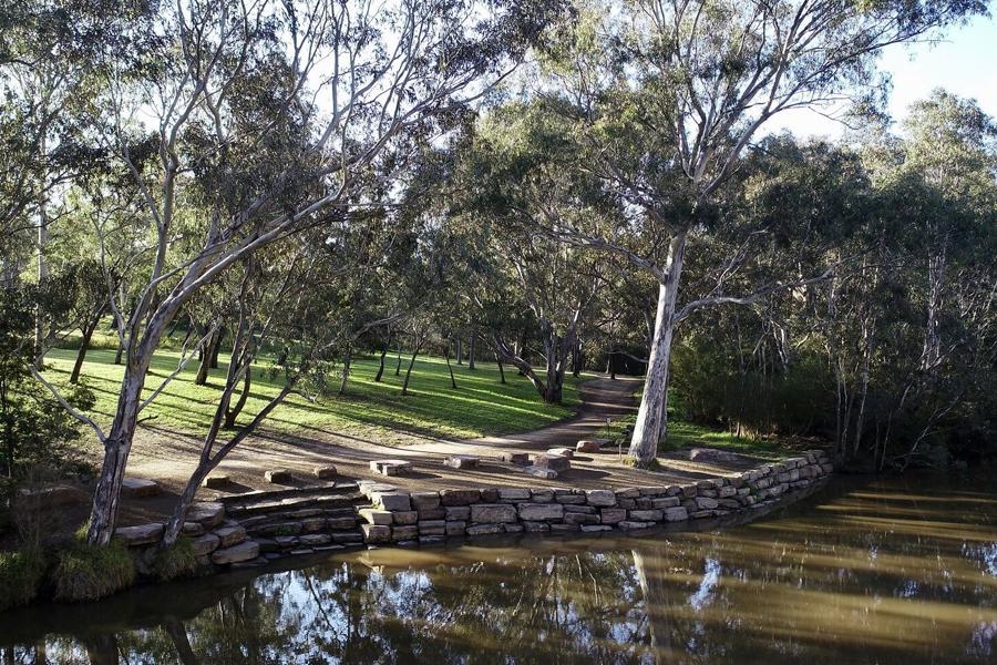 10 Best Fishing Spots in Melbourne & Victoria - Brimbank Park