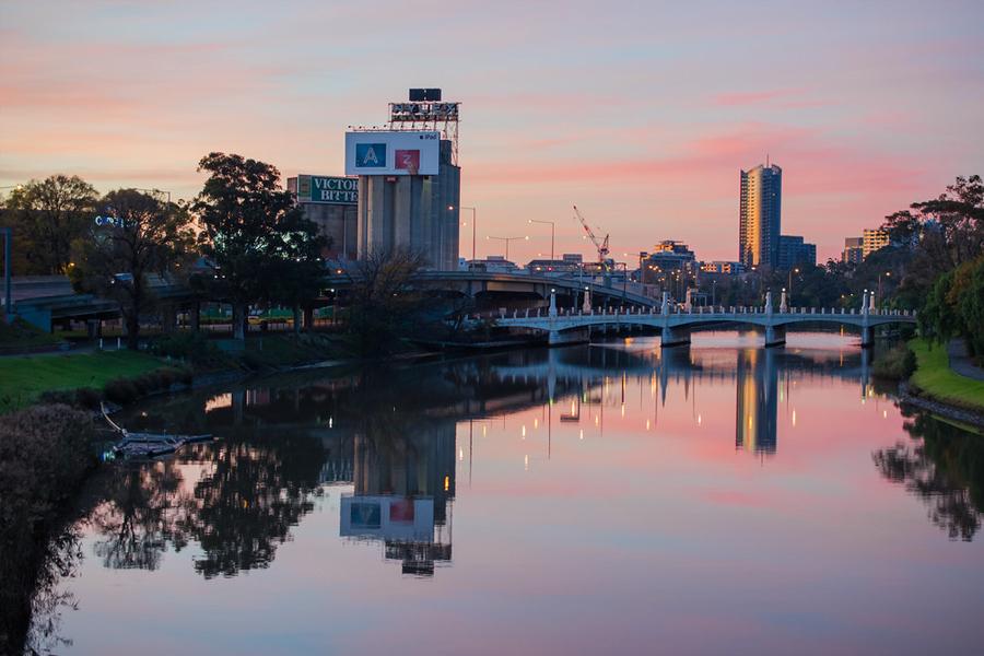 10 Best Fishing Spots in Melbourne & Victoria - Yarra River Punt Road Bridge
