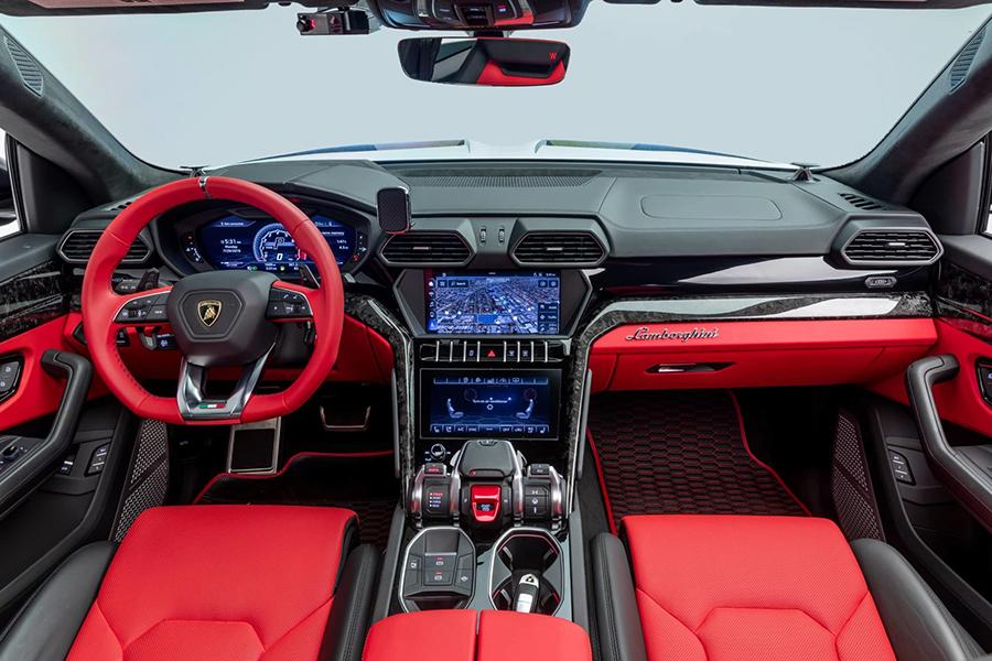 Lamborghini Urus steering wheel and dashboard