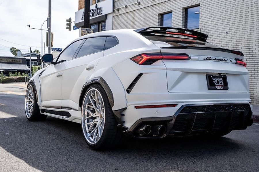 Lamborghini Urus back wheel of the vehicle
