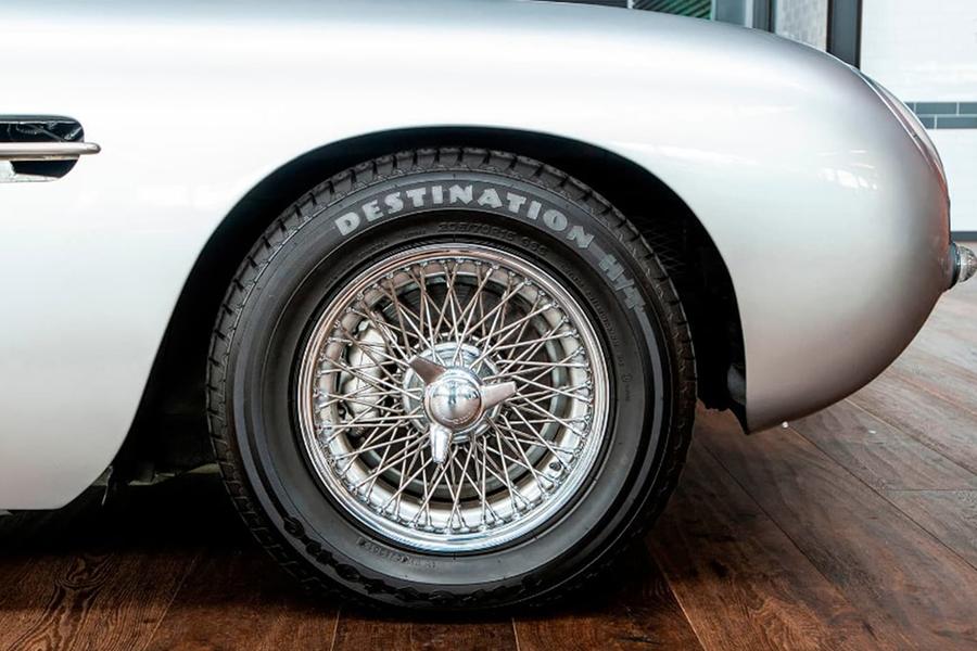 Aston Martin DB5 Manual wheel