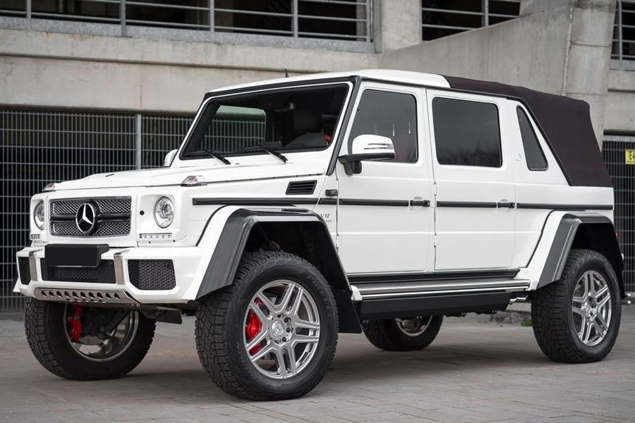 A white 2018 Mercedes-Benz G-Class 650 three quarters front