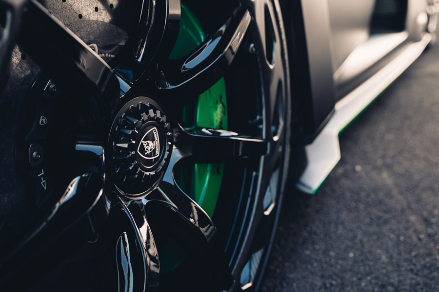 Lamborghini Veneno Roadster wheel