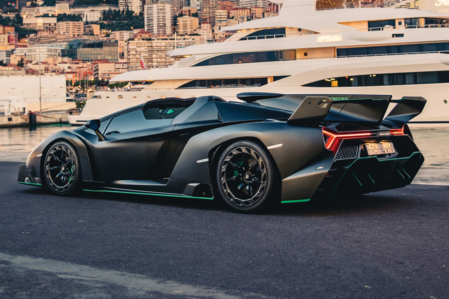 back view of the running Lamborghini Veneno Roadster