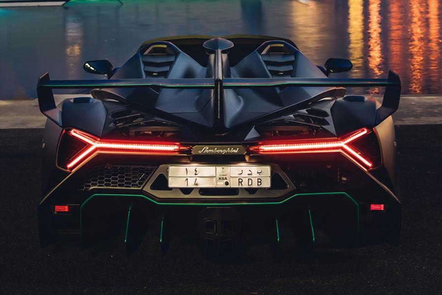 Lamborghini Veneno Roadster back
