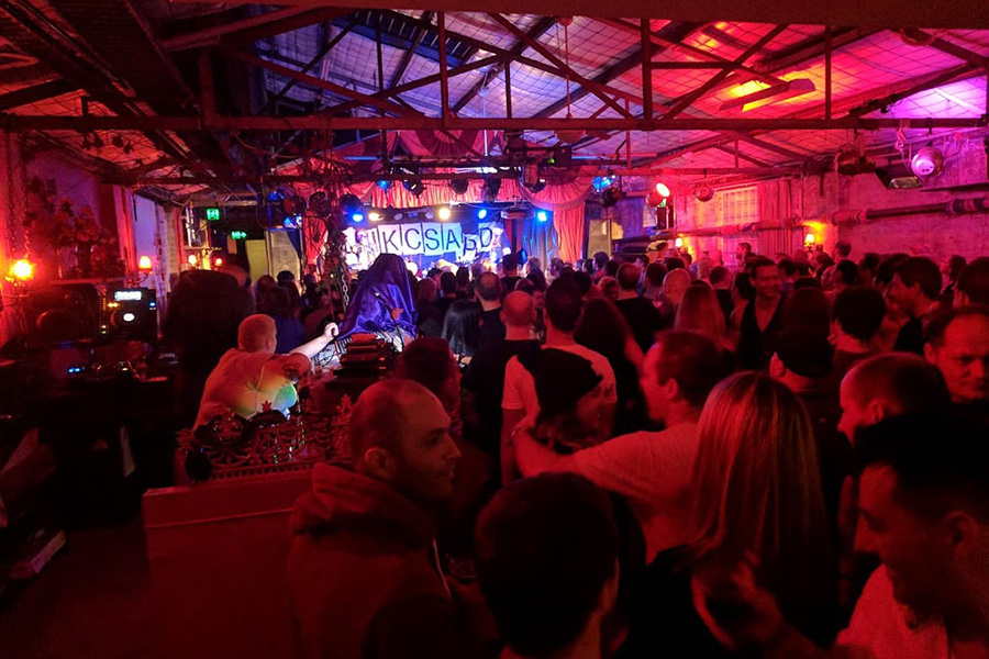 36 Best Live Music Venues in Sydney - The Red Rattler