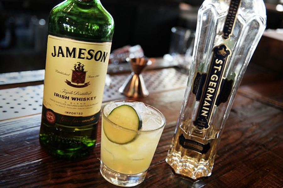 Best Irish Whisky Cocktails for St Paddys Day - Irish Whisky Maid