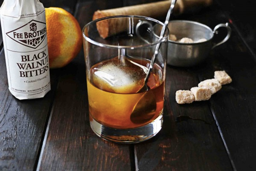 Best Irish Whisky Cocktails for St Paddys Day - Walnut old Fashioned