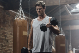 Chris Hemsworth makes fitness app centr free