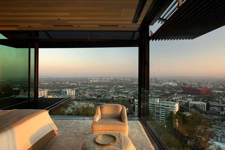 Collywood house bedroom overlooking the city
