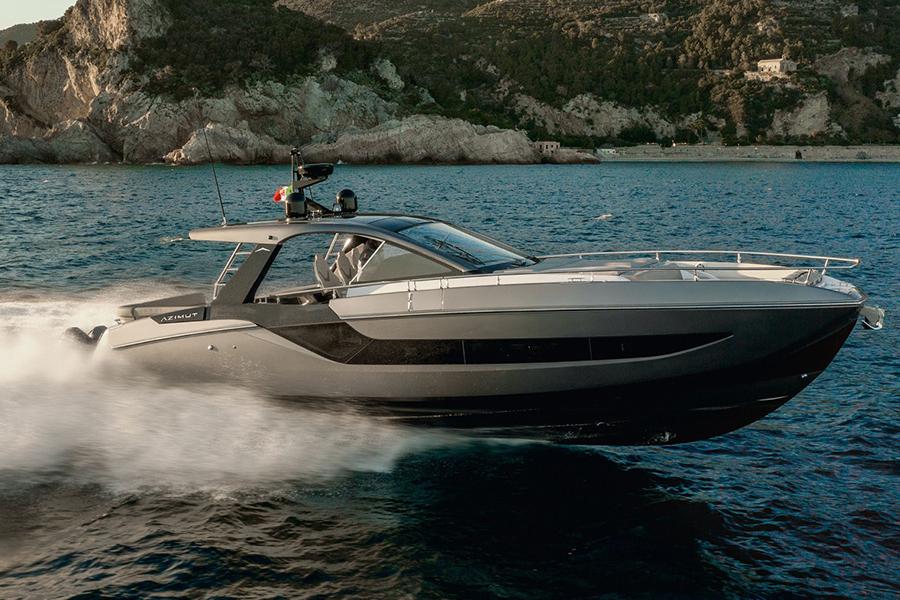 Azimut Verve 47 Yacht on the sea