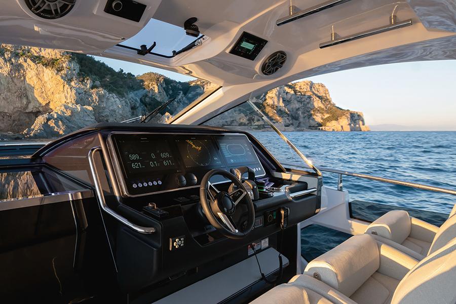 Azimut Verve 47 Yacht steering wheel