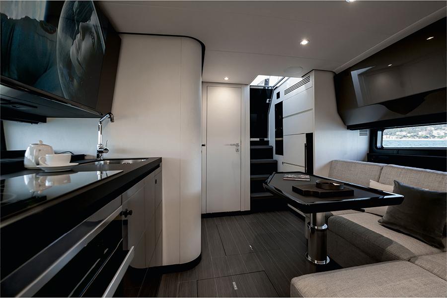 Azimut Verve 47 Yacht lounge area