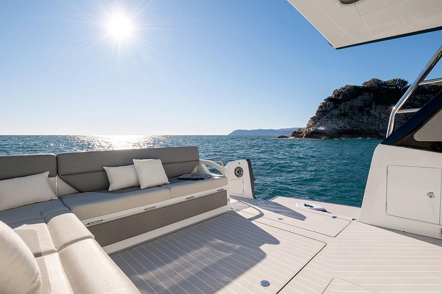 Azimut Verve 47 Yacht view deck