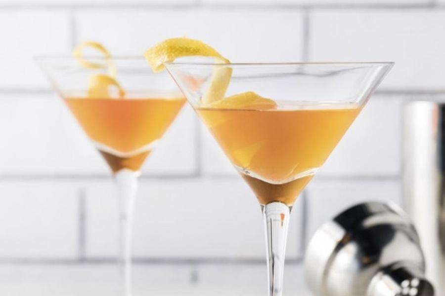 Best Easter Cocktail Recipes - Hot Cross Bun Martini