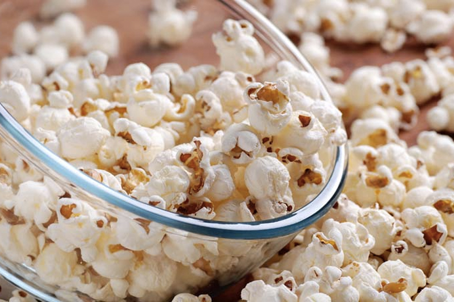 Best Healthy Snacks for Weight Loss - air popped popcorn