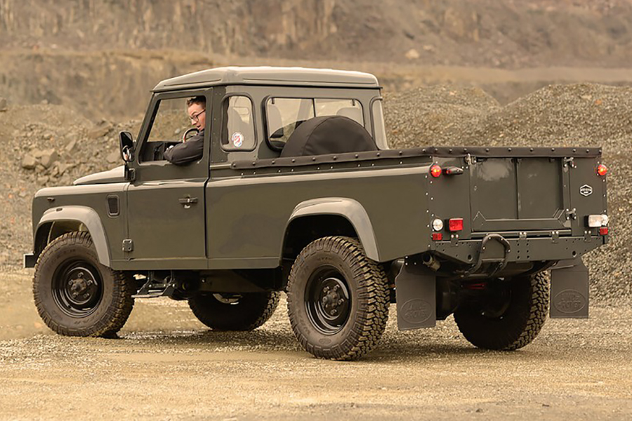 Land Rover Defender Commonwealth 1990 back view
