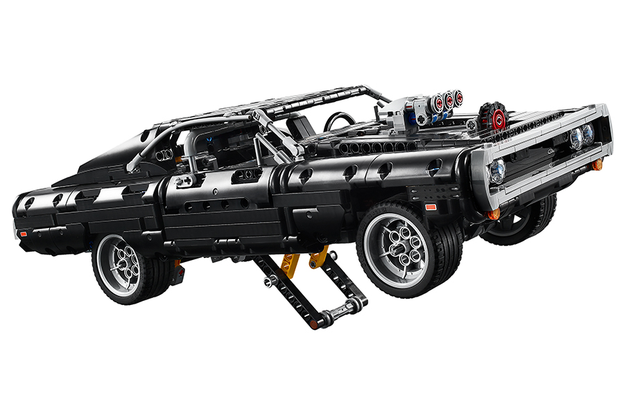 DOM's Lego Technic Dodge Charger open bottom for easy fixed