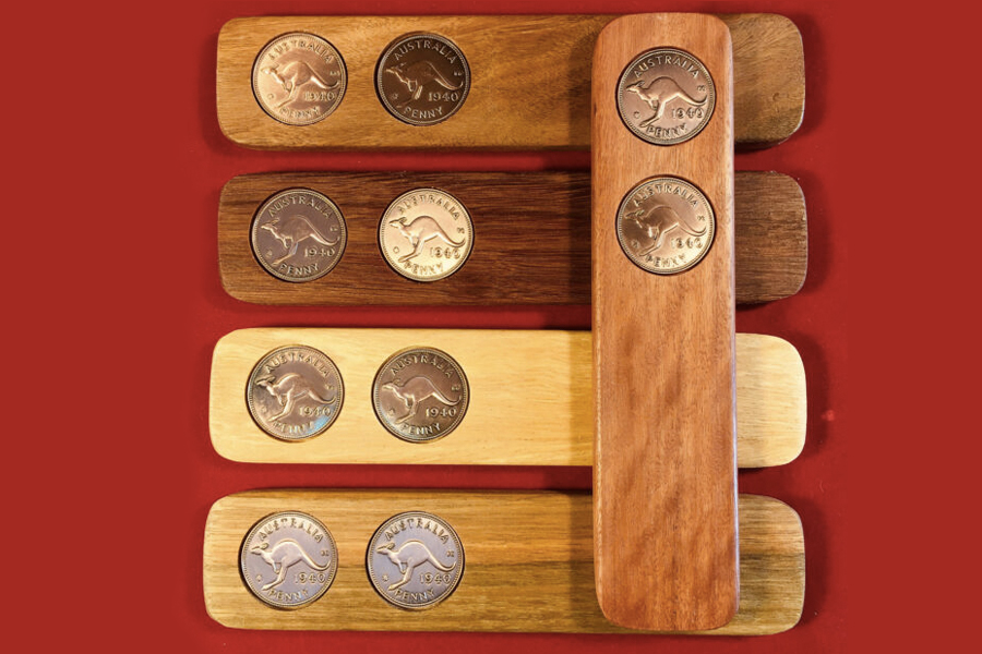 How to Play Two-Up - ANZAC Day Two-Up Set with Birth Date Pennies