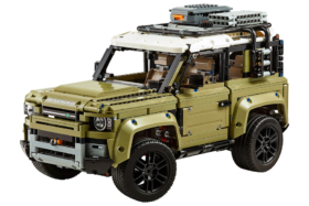 Three quarters front LEGO Land Rover Defender